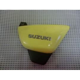Cache latéral droit Suzuki 125 GZ Maraudeur